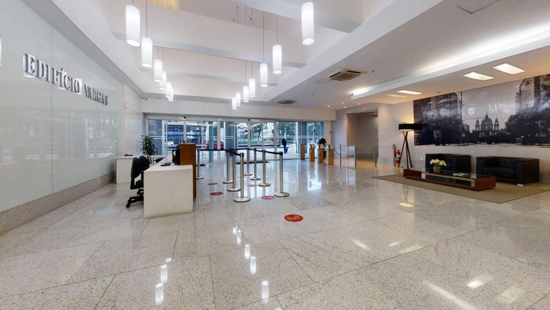 Lobby de edifício comercial no Rio de Janeiro