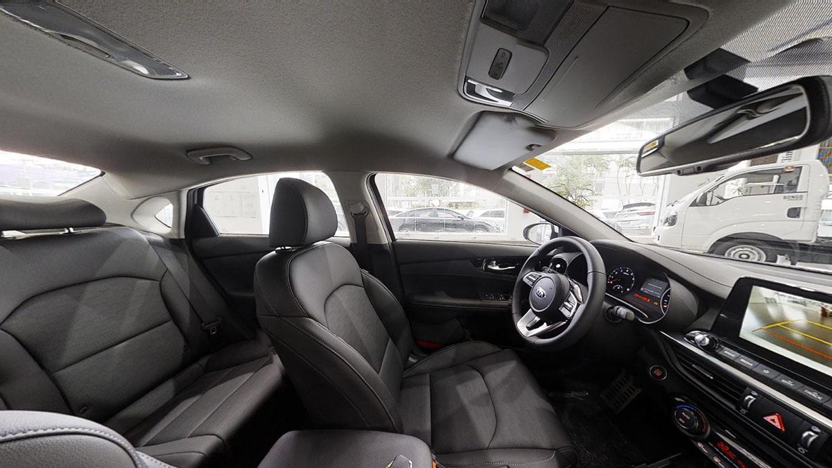Foto do interior de um carro